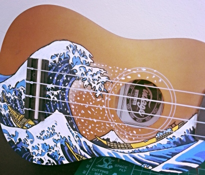 the-great-wave-of-kanagawa-handpainted-ukulele